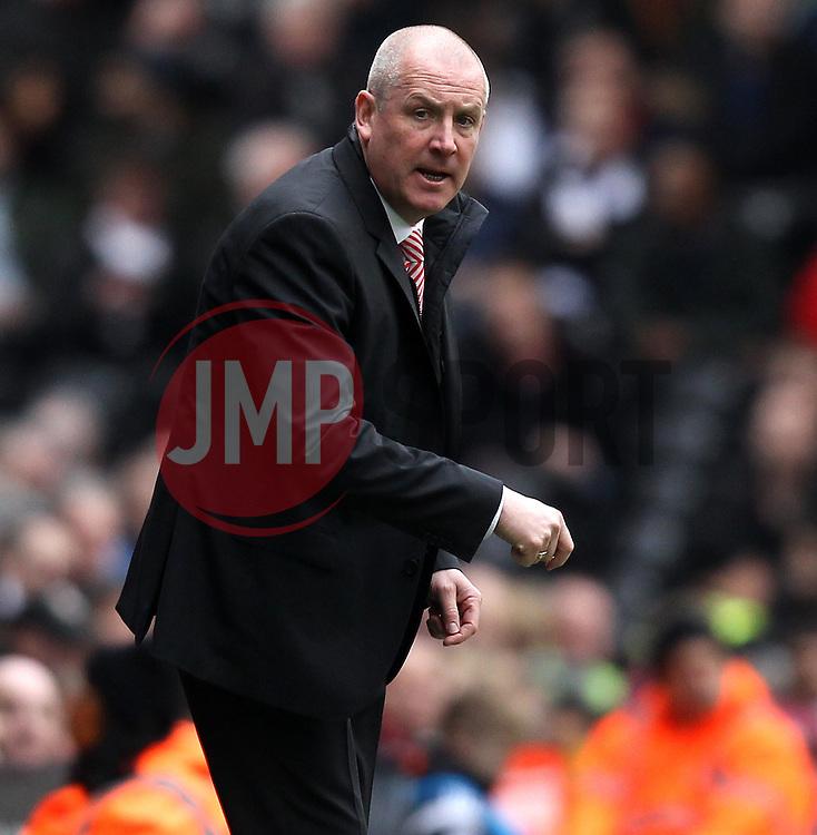 Brentford Manager, Mark Warburton - Photo mandatory by-line: Robbie Stephenson/JMP - Mobile: 07966 386802 - 03/04/2015 - SPORT - Football - Fulham - Craven Cottage - Fulham v Brentford - Sky Bet Championship