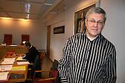 """Brit Stubbe, manusforfatter for friluftsspelet """"Karolinernes hærtog i Tydal"""" møtte Tydal kommune, representert ved rådmann Gunnbjørn Berggård, i retten i 2007. I et forsøk på å løse strid om rettigheter og avtaler."""