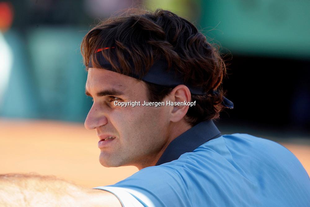 French Open 2009, Roland Garros, Paris, Frankreich,Sport, Tennis, ITF Grand Slam Tournament, .Roger Federer (SUI),Spielpause, Portraet,portrait,Profil..Foto: Juergen Hasenkopf..