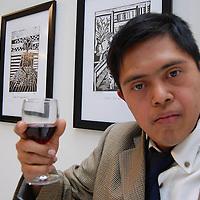Toluca, Mex.- Adolescentes con sindrome de down e integrantes de la Escuela Mexicana de Arte Down de la Fundación: Langdon Down, durante la inauguración de la exposición de pintura, grabado y litografía en el Museo Arte Moderno de Toluca. Agencia MVT / Rummenige Velasco. (DIGITAL)<br /> <br /> <br /> <br /> NO ARCHIVAR - NO ARCHIVE