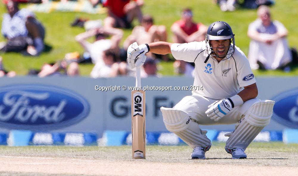 Ross Taylors. Day 4, ANZ Boxing Day Cricket Test, New Zealand Black Caps v Sri Lanka, 29 December 2014, Hagley Oval, Christchurch, New Zealand. Photo: John Cowpland / www.photosport.co.nz