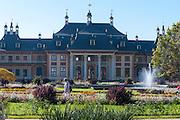 Schloss und Schlosspark Pillnitz, Wasserpalais, Pillnitz, Dresden, Sächsische Schweiz, Elbsandsteingebirge, Sachsen, Deutschland | Pillnitz Castle and Gardens, water palais, Pillnitz, Dresden, Saxon Switzerland, Saxony, Germany