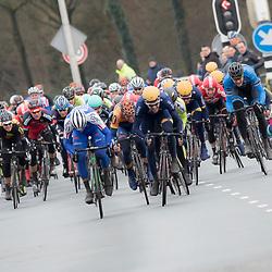 05-03-2016: Wielrennen: Ster van Zwolle: Zwolle<br /> ZWOLLE (NED) wielrennen:  <br /> De Ster van Zwolle is traditionele opening van het Nederlandse wielerseizoen. De 56e editie van de Ster kende mede door een gebrek aan wind. Jeff Vermeulen (Borger) wint de 56e Ster van Zwolle voor Coen Vermeltvoort en  Nicolai Brochner