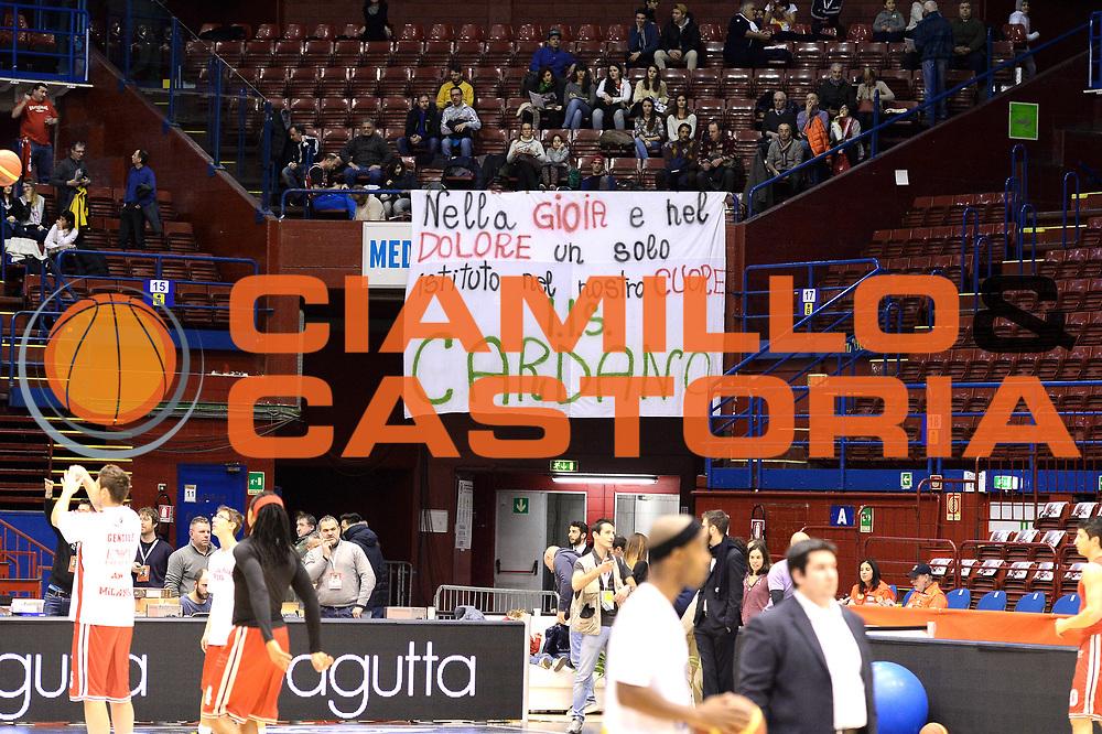 DESCRIZIONE : Milano Lega A 2014-15  EA7 Emporio Armani Milano vs Vagoli Basket Cremona<br /> GIOCATORE : Pubblico<br /> CATEGORIA : Tifosi<br /> SQUADRA : Vagoli Basket Cremona<br /> EVENTO : Campionato Lega A 2014-2015<br /> GARA : EA7 Emporio Armani Milano vs Vagoli Basket Cremona<br /> DATA : 25/01/2015<br /> SPORT : Pallacanestro <br /> AUTORE : Agenzia Ciamillo-Castoria/I.Mancini<br /> Galleria : Lega Basket A 2014-2015  <br /> Fotonotizia : Cant&ugrave; Lega A 2014-2015 Pallacanestro : EA7 Emporio Armani Milano vs Vagoli Basket Cremona<br /> Predefinita :