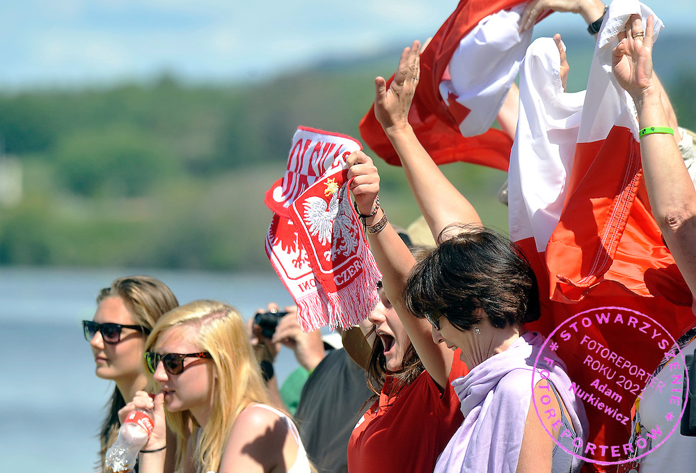 POLISH SUPPORTER WHILE MEDAL CEREMONY DURING REGATTA WORLD ROWING CHAMPIONSHIPS ON KARAPIRO LAKE IN NEW ZEALAND...NEW ZEALAND , KARAPIRO , NOVEMBER 07, 2010..( PHOTO BY ADAM NURKIEWICZ / MEDIASPORT )..PICTURE ALSO AVAIBLE IN RAW OR TIFF FORMAT ON SPECIAL REQUEST.