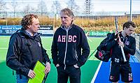 ALMERE - coach Jan John van 't Land (Adam) met voorzitter Marc Staal  na de hoofdklasse hockeywedstrijd heren,  Almere- Amsterdam (1-3). rechts Tijn Lissone (Adam)    COPYRIGHT KOEN SUYK