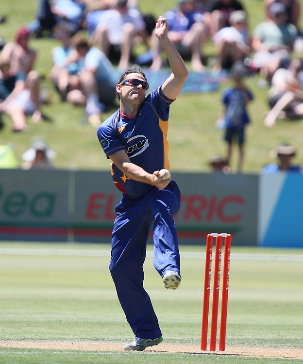 Otago Volt's Nathan McCullum bowls against the Firebirds in the HRV Twenty20 cricket match at the Queenstown Events Centre, Queenstown, New Zealand, Saturday, December 31, 2011. Credit:SNPA / Dianne Manson.