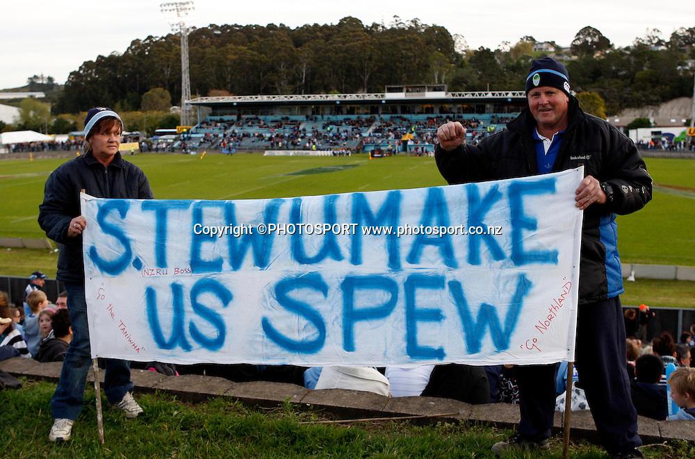 Northland fans show their support.<br />Air NZ Cup, Northland v Tasman, Okura Park Stadium, Whangarei, Saturday 6 September 2008. Photo: Renee McKay/PHOTOSPORT