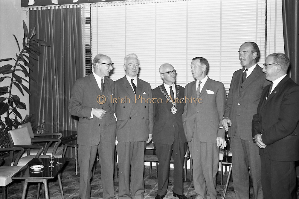 04/09/1962<br /> 09/04/1962<br /> 04 September 1962<br /> Association of Advertisers in Ireland Dinner and 100th Council Meeting at the South County Hotel, Stillorgan, Dublin. Pictured are (l-r): Albert Price (Wills); J.C. Bigger (Hammond Lane Foundry) Chairman; F.C. Palmer, (Reckitts), Hon. Treasury; G.S. Childs, P.C. General Secretary and Dermot Jordan, (Esso), Honorary Secretary.