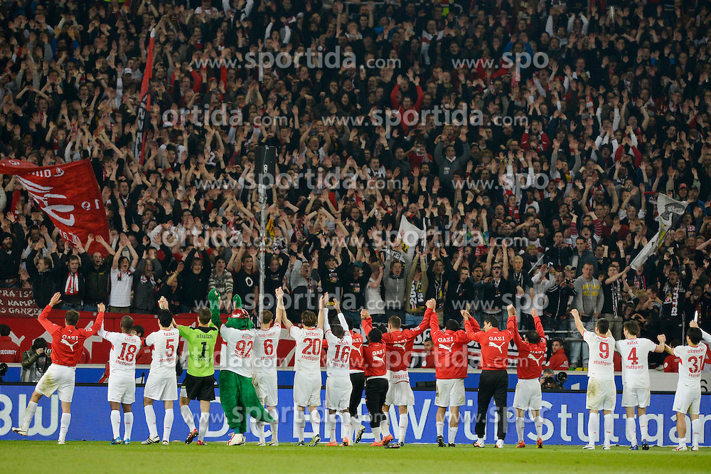 13.04.2012, Mercedes Benz Arena, Stuttgart, GER, 1. FBL, VfB Stuttgart vs SV Werder Bremen, 31. Spieltag, im Bild, Mannschaft des VfB feiert Sieg mit Fans // during the German Bundesliga Match, 31th Round between VfB Stuttgart and SV Werder Bremen at the Mercedes Benz Arena. Stuttgart, Germany on 2012/04/13. EXPA Pictures © 2012, PhotoCredit: EXPA/ Eibner/ Weber..***** ATTENTION - OUT OF GER *****