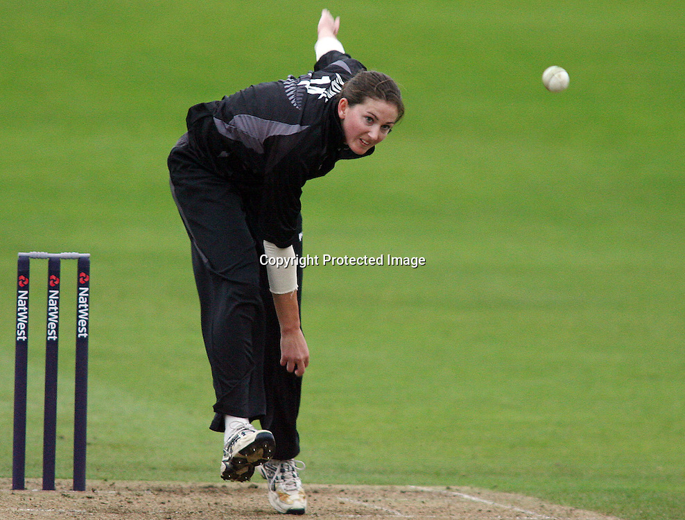 Nicola Browne of New Zealand bowling. England v New Zealand, 2nd Womens 20/20 International, Cricket, Bath, 13/08/2007 Photo by Matthew Impey ** NO AGENTS **