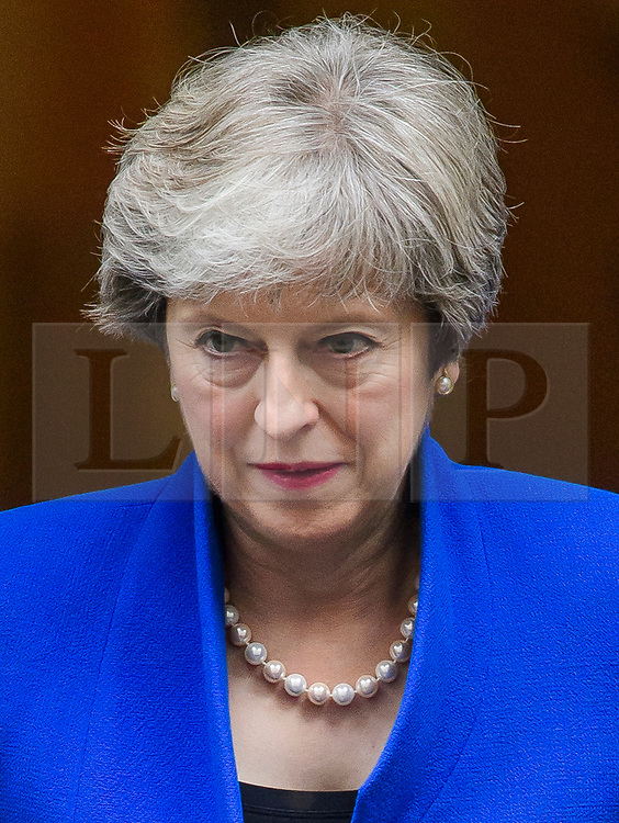 © Licensed to London News Pictures . 28/09/2017. London, UK. British prime minister THERESA MAY Seen leaving 10 Downing Street in London on her way to speak at the Bank of England. Photo credit: Ben Cawthra/LNP
