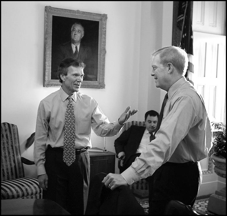 Sen. Daschle and Rep. Gephardt meet in Daschle's office..10/30/01..©PF BENTLEY/PFPIX.com