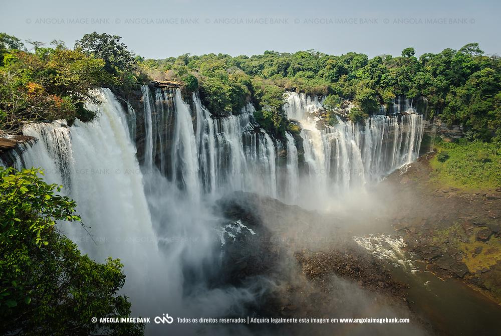 As Quedas de Calandula (Kalandula) ex Duque de Bragança, no rio Lucala que é o maior afluente do rio Cuanza (Kwanza). Província de Malange, Angola
