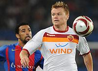 Basels Carlitos gegen Roms John Arne Riise © Roman Aeschbach/EQ Images