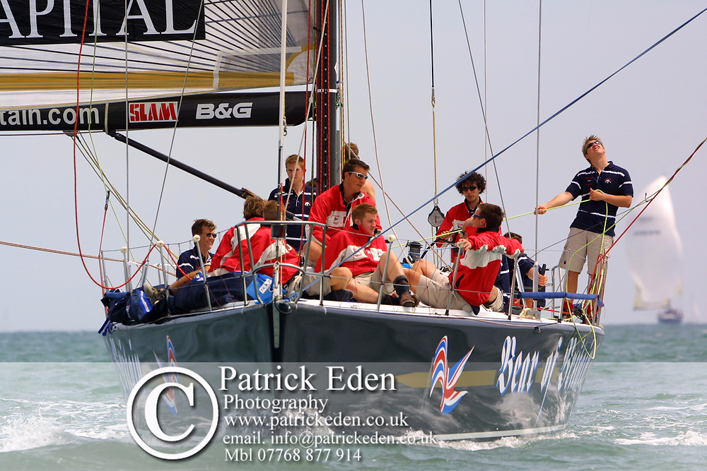 Round the Island Race 2003. Bear of Britain. Cowes, Isle of Wight, England, Sports Photography