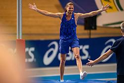 Rutger Koppelaar in action during the pole vault and jumps to the Dutch indoor record of Rens Blom during the Dutch Indoor Athletics Championship on February 22, 2020 in Omnisport De Voorwaarts, Apeldoorn