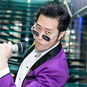 NLD/Hilversum/20180205 - Edwin Evers ontvang Karaoke zanger Lee Song, Lee Song