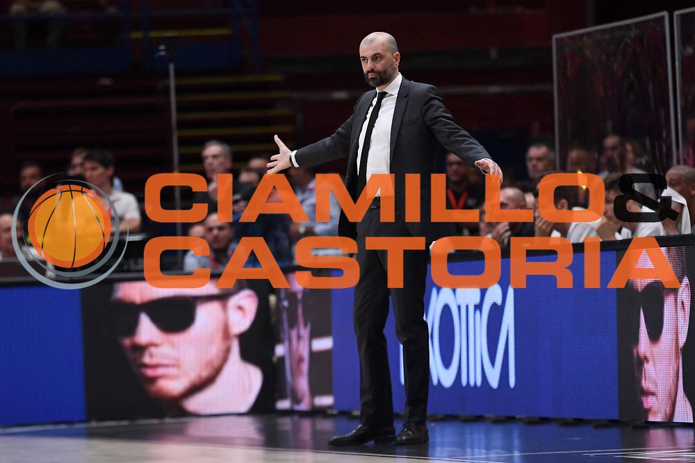 Maurizio Buscaglia<br /> EA7 Emporio Armani Olimpia Milano - Dolomiti Energia Trentino<br /> Playoff - Finale - Gara 1<br /> LegaBasket Serie A 2017/2018<br /> Milano, 05/06/2018<br /> Foto M.Ceretti / Ciamillo-Castoria