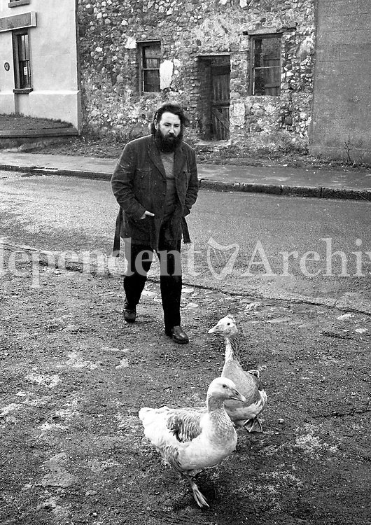 Barney Mc Kenna of The Dubliners, 19/12/1972 (Part of the Independent Newspapers Ireland/NLI Collection).