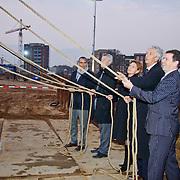 NLD/Huizen/20101119 - Eerste paal hoofdkantoor Lidl