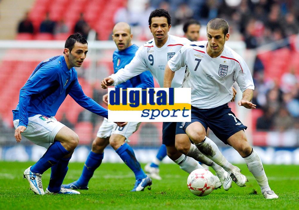 Photo: Alan Crowhurst.<br />England U21 v Italy U21. International Friendly. 24/03/2007. England's David Bentley (R) on the attack.