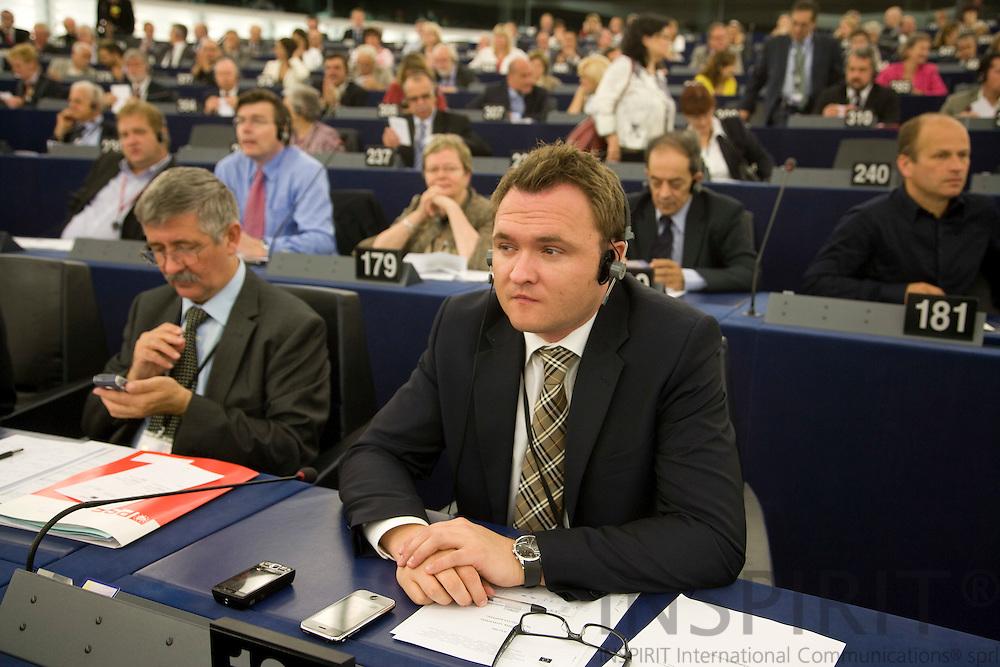 STRASBOURG - FRANCE - 14 JULY 2009 -- MEP Dan Jørgensen, Gruppen for Det Progressive Forbund af Socialdemokrater i Europa-Parlamente under samlingen af det nye Europa-Parlament.  Photo: Erik Luntang