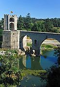 Spain, Catalonia, Besalu, the 12th-century Romanesque bridge over the Fluvia river