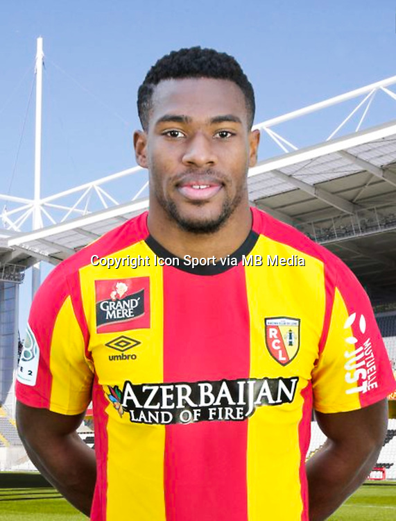 Loick LANDRE - 30.10.2015 - Portrait Officiel - Lens<br /> Photo : RC Lens / Icon Sport