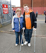 On crutches - Dundee United v Hearts, Clydesdale Bank Scottish Premier League at Tannadice Park..© David Young Photo.5 Foundry Place.Monifieth.Angus.DD5 4BB.Tel: 07765252616.email: davidyoungphoto@gmail.com.http://www.davidyoungphoto.co.uk