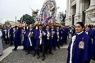 Roma 27 Ottobre 20013<br />  La comunità peruviana festeggia, in processione dalla  Basilica di San Giovanni fino alla chiesa di Santa Maria degli Angeli,  il Signore dei Miracoli, o El Seor de los Milagros, come è noto in spagnolo, una processione religiosa che si svolge ogni anno.<br /> Senor de los Milagros procession from  the  St. John's  Basilica. -- The Peruvian community celebrates,  the Lord of Miracles, or El Seor de los Milagros as it is known in Spanish, a yearly religious procession.