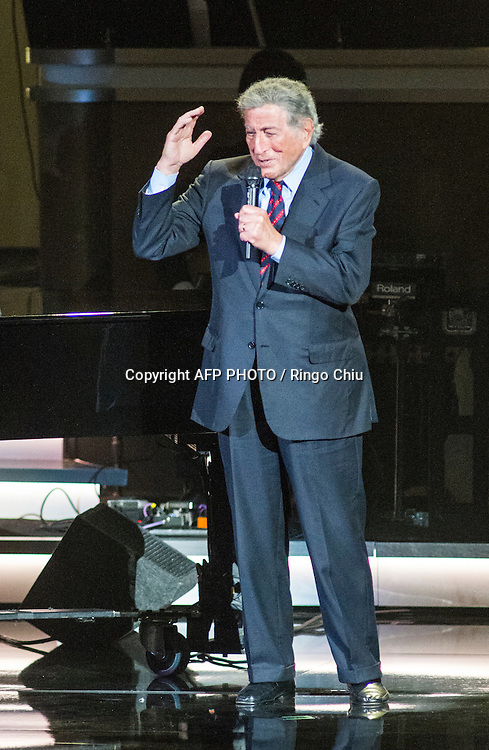 Tony Bennett performs during a concert, Stevie Wonder: Songs In The Key Of Life - An All-Star GRAMMY Salute, at Nokia Theatre L.A. Live on February 10, 2015 in Los Angeles, California. AFP PHOTO / Ringo Chiu
