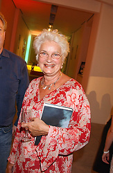 LIZ CALDER at a party to celebrate the publication of 'Shalimar The Clown' by Salman Rushdie, held at the David Gill Galleries, 3 Loughborough Street, London SE11 on 7th September 2005.<br /><br />NON EXCLUSIVE - WORLD RIGHTS