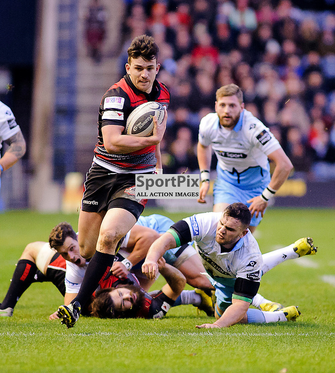 27/12/2015, Murrayfield, Scotland, Cornell Du PREEZ passes to Matt SCOTT to score a try during the Edinburgh Rugby v Glasgow Warriors Guinness PRO12 & 1872 Cup game, ......(c) COLIN LUNN | SportPix.org.uk