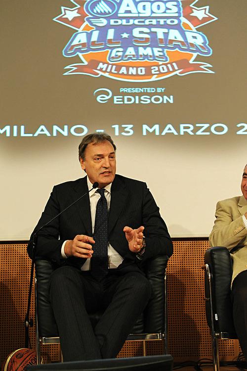 MILANO 11 MARZO 2011<br /> PRESENTAZIONE NAZIONALE ITALIANA MASCHILE PER L'ALL STAR GAME<br /> NELLA FOTO MENEGHIN <br /> FOTO CIAMILLO