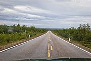 Veien mellom Hetta, Enontekiö  i Finland og Kautokeino i Finmark i Norge. Mange rettstrekninger.