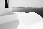 198 / Santorin: EUROPA, GRIECHENLAND, KYKLADEN, SANTORIN, OIA, 13.04.2009: Die sichelfoermige Insel Santorin, auch Santorini, ist noerdlich von Kreta gelegen und gehoert geografisch zur griechischen Inselgruppe der Kykladen. - Marco del Pra / imagetrust - Stichworte: Stichwort, Model Release:No, Property Release:No, architektur, Europa, Geometrie, GRIECHENLAND, Insel, Insel Santorin, Inseln, KYKLADEN, Licht, Meer, Mittelmeer, Model Release:No, OIA, Property Release:No, SANTORIN, Santorini, Sonne, Stichwort, Struktur, Strukturen, Treppe, Vulkan