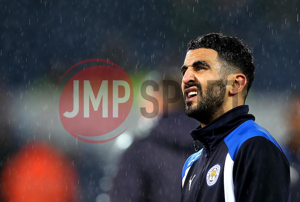 Riyad Mahrez of Leicester City looks at the falling rain in disgust - Mandatory by-line: Robbie Stephenson/JMP - 10/12/2016 - FOOTBALL - King Power Stadium - Leicester, England - Leicester City v Manchester City - Premier League