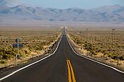 De weg waarover de WHPSC gereden wordt. In de buurt van Battle Mountain, Nevada, strijden van 10 tot en met 15 september 2012 verschillende teams om het wereldrecord fietsen tijdens de World Human Powered Speed Challenge. Het huidige record is 133 km/h.<br /> <br /> The road where the speed challenge will take place. Near Battle Mountain, Nevada, several teams are trying to set a new world record cycling at the World Human Powered Vehicle Speed Challenge from Sept. 10th till Sept. 15th. The current record is 133 km/h.
