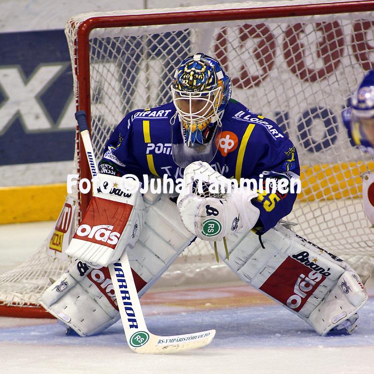 19.09.2009, EURij?nsuon j??halli, Rauma..J??kiekon SM-liiga 2009-10.Lukko - HIFK.Petri Vehanen - Lukko.©Juha Tamminen.