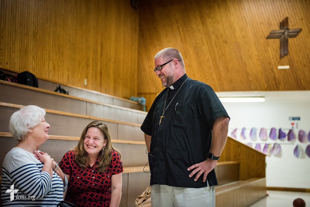 Friend and supporter Sue Struebig (left) visits with Clarion Fritsche and the Rev. Joel Fritsche, career missionary to the Dominican Republic, during a home service visit to Zion Lutheran Church and School, Staunton, Ill., on Wednesday, April 26, 2017, in Staunton. LCMS Communications/Erik M. Lunsford