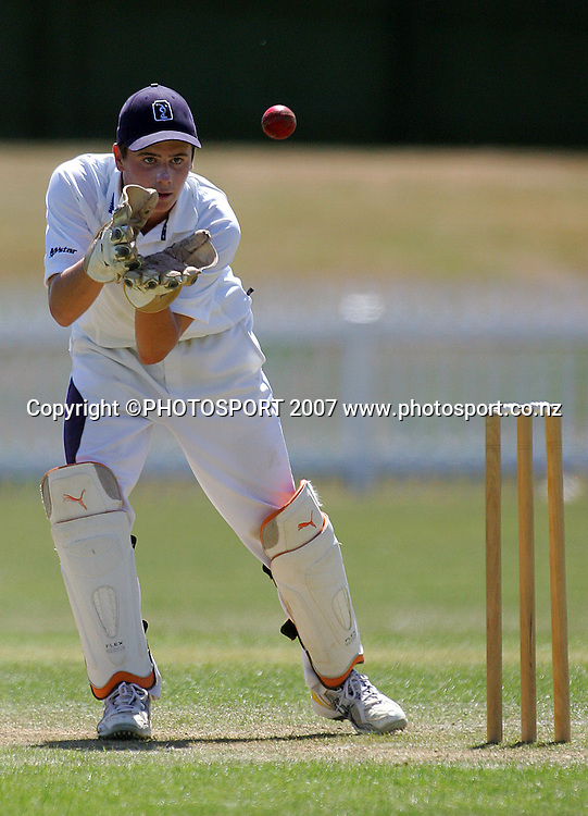Tauranga keeper Zac Scott.<br /> Gillette Cup Cricket. Fitzherbert Park, Palmerston North. Sunday 16 December 2007. Photo: Dave Lintott/PHOTOSPORT