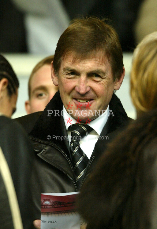 LIVERPOOL, ENGLAND - Saturday, January 10, 2004: Former Liverpool manager Kenny Dalglish watches his side take on Aston Villa during the Premiership match at Anfield. (Photo by David Rawcliffe/Propaganda)