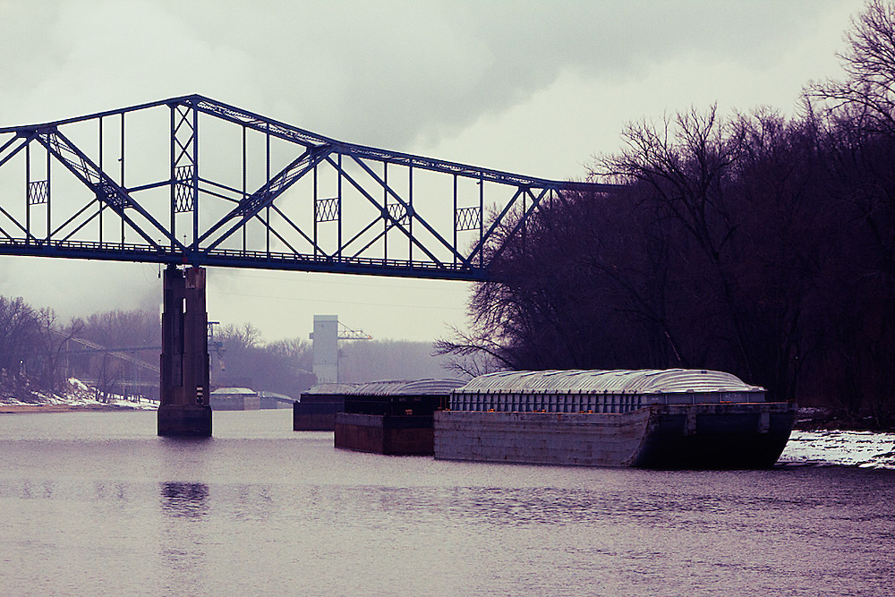 The Illinois River at Havana, IL on a cold winter day.