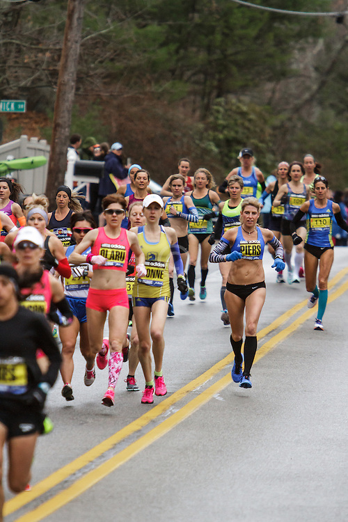 Boston Marathon: elite women's field in first mile of race Sheri Piers