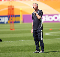 Photo: Chris Ratcliffe.<br />England Training Session. FIFA World Cup 2006. 14/06/2006.<br />Sven Goran Eriksson in training.