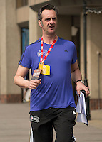 Virgin Money London Marathon 2015<br /> <br /> Chris Davey Press Staff in Action!<br /> <br /> Photo: Bob Martin for Virgin Money London Marathon<br /> <br /> This photograph is supplied free to use by London Marathon/Virgin Money.