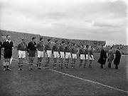 19/10/1955<br /> 10/19/1955<br /> 19 October 1955<br /> Soccer International: Ireland v Yugoslavia at Dalymount Park, Dublin. The Yugoslavian team line-out.