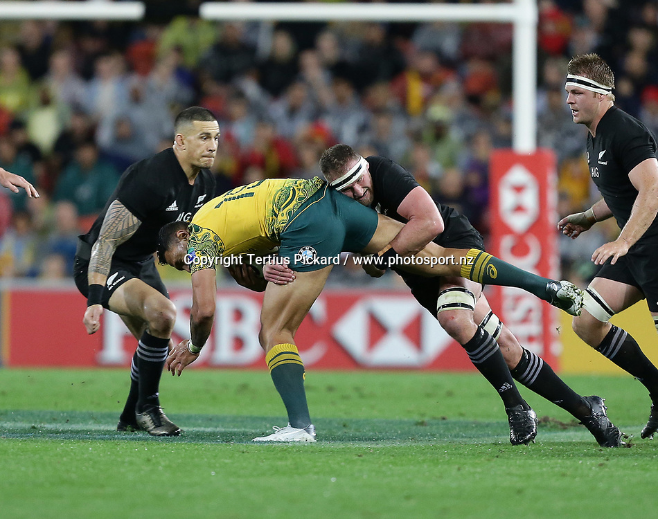 Australia's Israel Folau  is tackled by New Zealand's Sonny Bill Williams, left, and Kieran Read, right, during the 3rd Bledisloe Cup rugby test match, Australia v All Blacks, Suncorp stadium, Brisbane, Australia, 21 October 2017. Copyright Image: Tertius Pickard/ www.photosport.nz