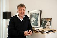 19 JAN 2010, BERLIN/GERMANY:<br /> Hartwig Masuch, Geschaeftsfuehrer BMG Rights Management, in seinem Buero, BMG Rights Management<br /> IMAGE: 20100119-01-007